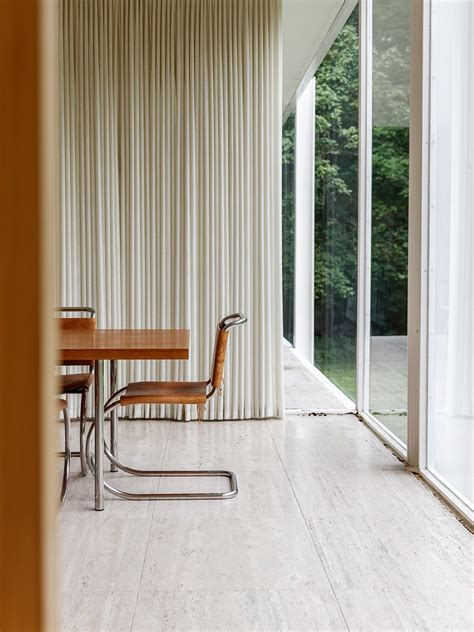 Farnsworth House by Ludwig Mies van der Rohe | UP interiors