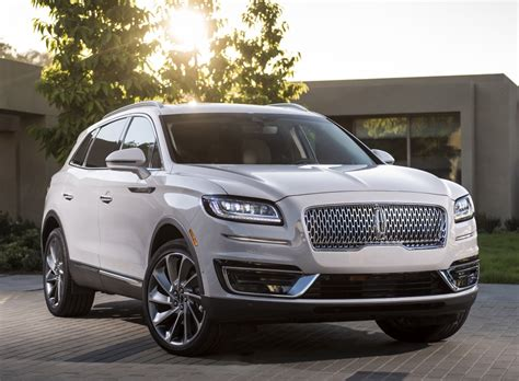 Lincoln introduces the new Nautilus, an updated, renamed