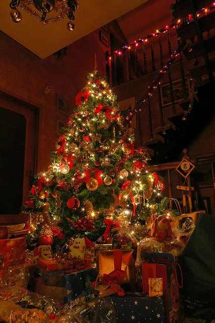 Beautiful Decorated Christmas Tree Pictures, Photos, and